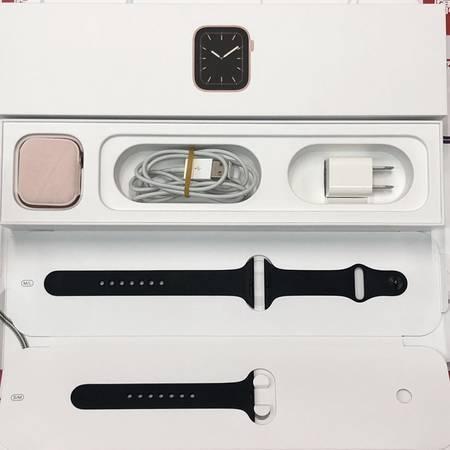 Apple Watch Series 5 44mm GPS+CELモデル MWR02J/A-正面