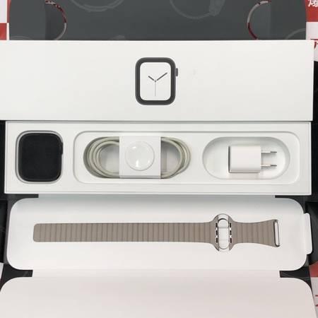 Apple Watch Series 4 GPS 44mm MU6D2J/A-正面