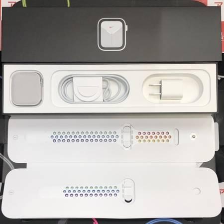 Apple Watch Nike Series 5 GPS+CEL 44mm 美品-正面