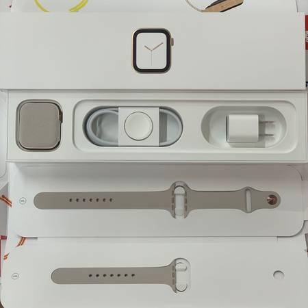 Apple Watch Series 4 GPS+CEL 44mm 極美品-正面