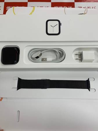Apple Watch Series 4 44mm GPS+CEL MTX32J/A-正面
