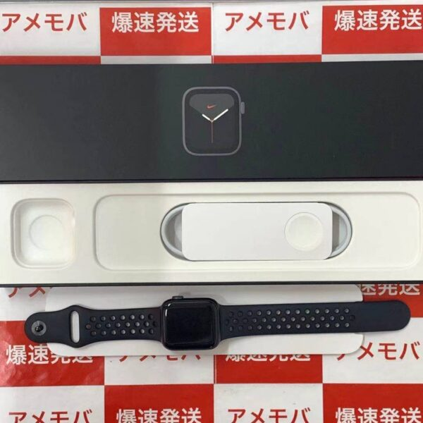 Apple Watch Series 6 GPSモデル 40MM M00X3J/A A2291-正面