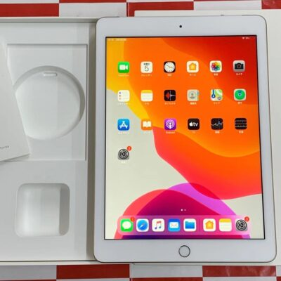 iPad 第5世代 AU版SIMフリー MPG42J/A A1823