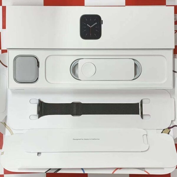 Apple Watch Series 6 GPS + Cellularモデル 44MM M09J3J/A A2376 極美品-正面