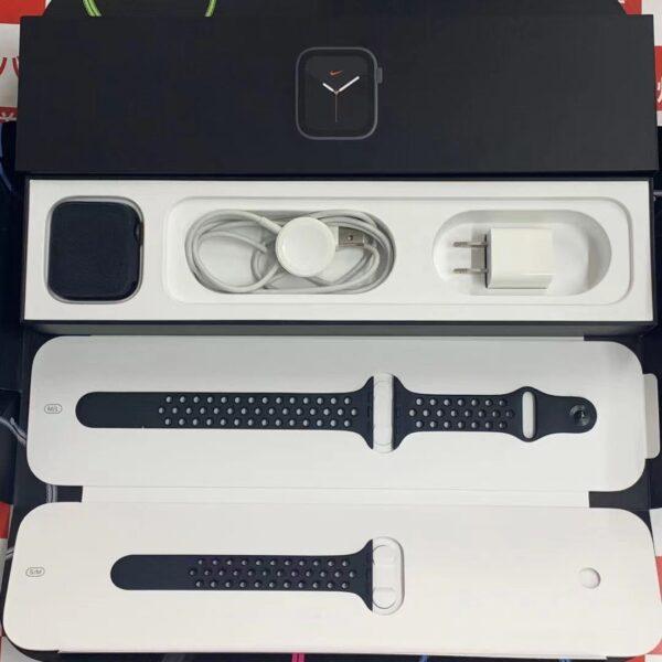 Apple Watch Series 5 GPSモデル Nike 44mm MX3W2J/A A2093-正面