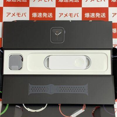 Apple Watch SE GPSモデル  Nike 40mm MYYF2J/A A2351 開封未使用品