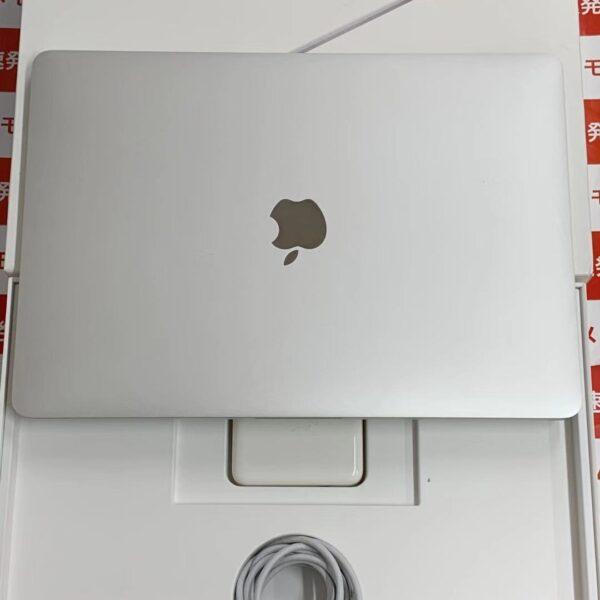 MacBook Pro 13インチ 2017 Thunderbolt 3ポートx2 256GB 2.3GHz i5 8GBメモリー MPXU2J/A A1708-正面